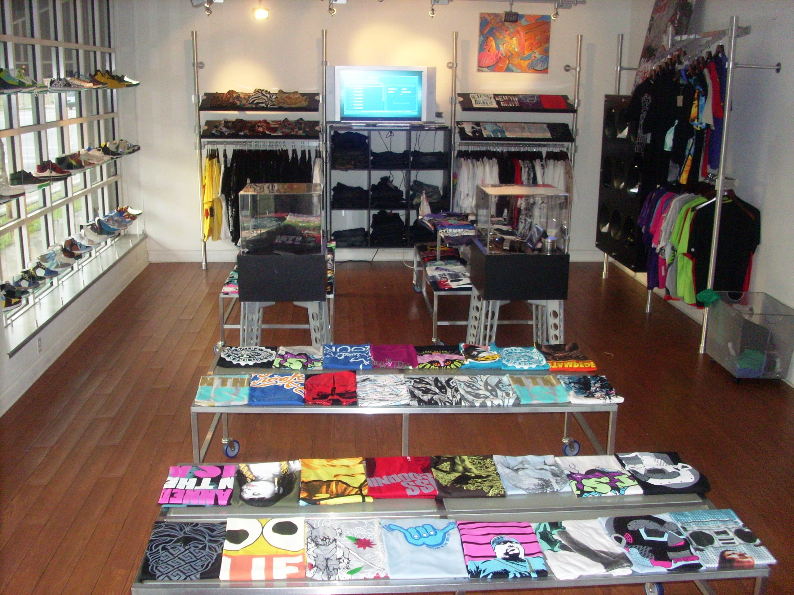 retail clothing store layout shop setup ideas t shirt
