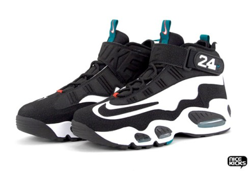 nike-air-griffey-max-1-retro-4