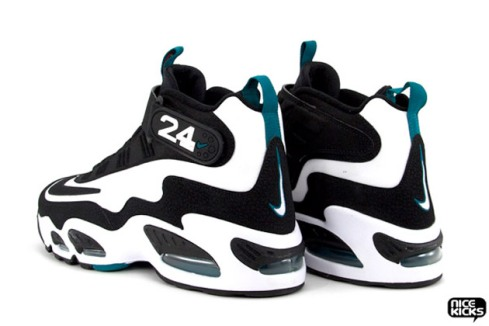 nike-air-griffey-max-1-retro-5