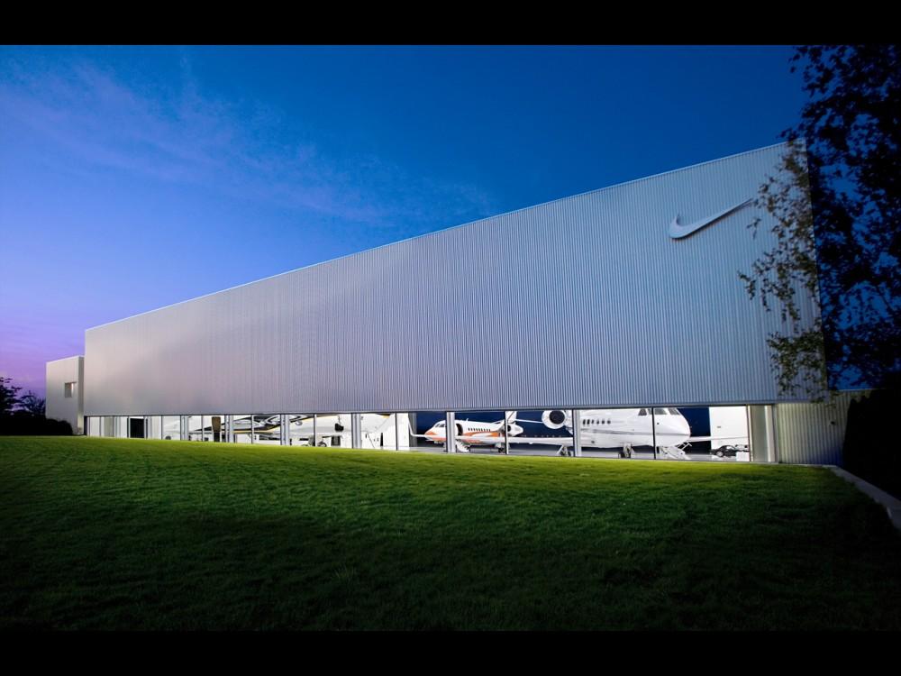 nike air hanger jets plane 5