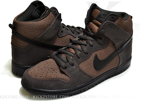 "6960b992287b The ""Dark Oak"" Dunk High features a tonal brown Dark Oak Black Tar  colorway"