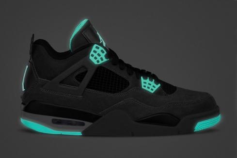 air-jordan-iv-retro-green-glow-02